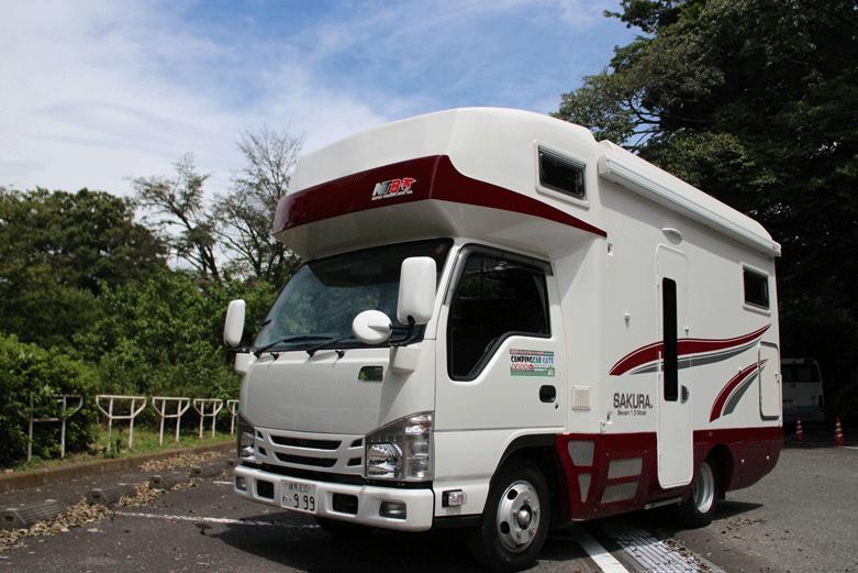 キャンピングカー最高峰と名高いSAKURAリアキッチンモデルが登場