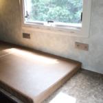 キッチン横にも寛ぎのスペースがあります。