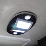 室内照明はLED照明を採用。