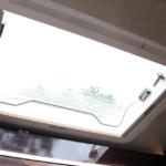 解放感と明るさが桁違い。天窓設置。