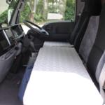 前列へ補助マットを設置し、就寝可能なスペースとなります。