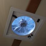 天井換気扇で車内の空気の循環は完璧。