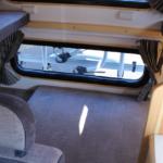 ベットの床は脱着可能。大容量のリア収納空間に変更可能です。