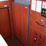 90リットルの大型冷蔵庫